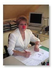 Mme Muset, fondatrice et présidente, avec son nez rouge